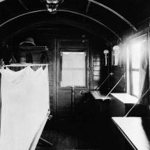 Waggon innen, etwa 1914